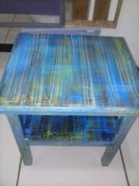 Pátina colorida em mesinha de madeira mógno, veja a transformação.
