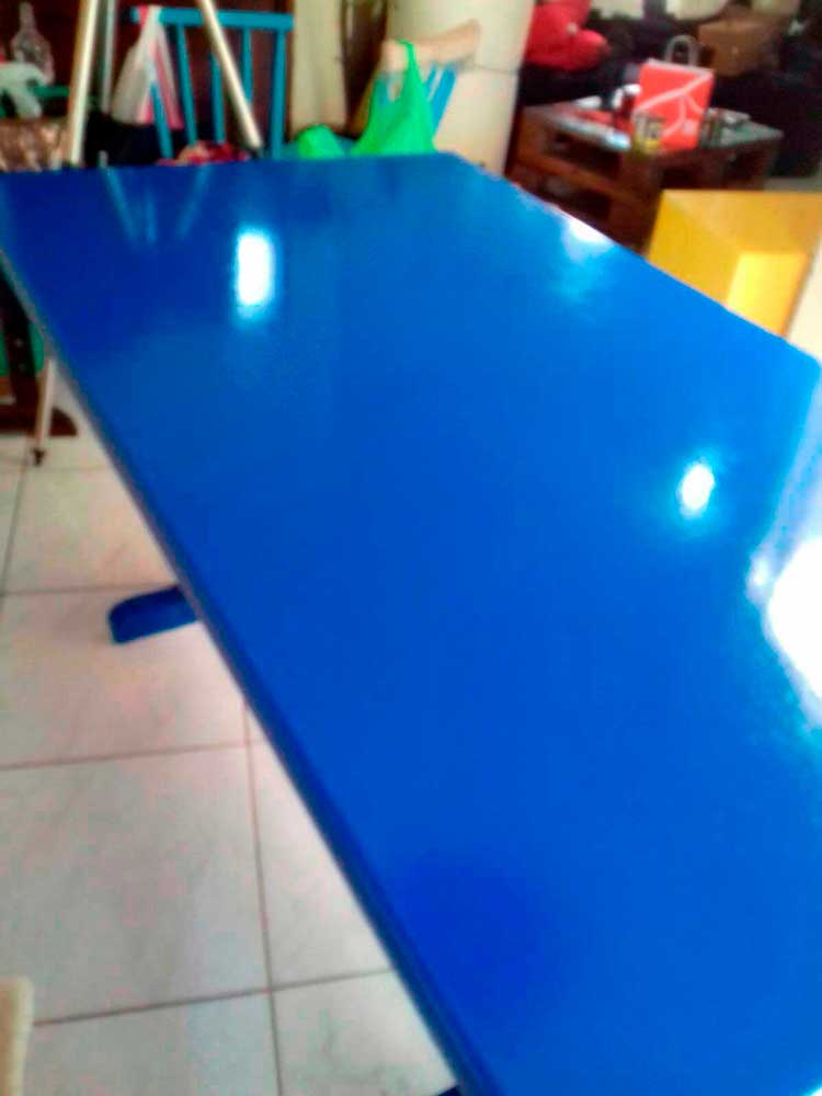 mesa-azul-falsa-laca